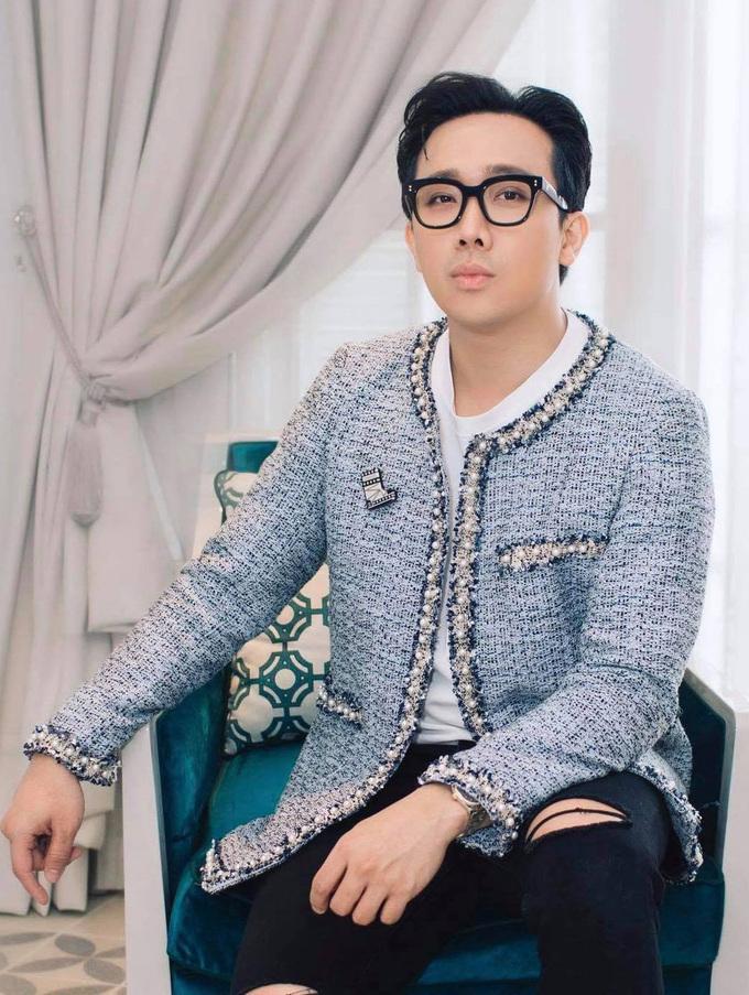 Không phải mượn áo vợ, Trấn Thành hóa ra mặc áo đôi điệu đà với Quang Trung-4