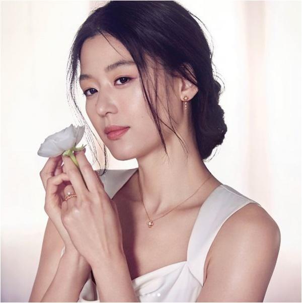 Choáng với khối tài sản tiêu cả đời không hết của Jun Ji Hyun-1
