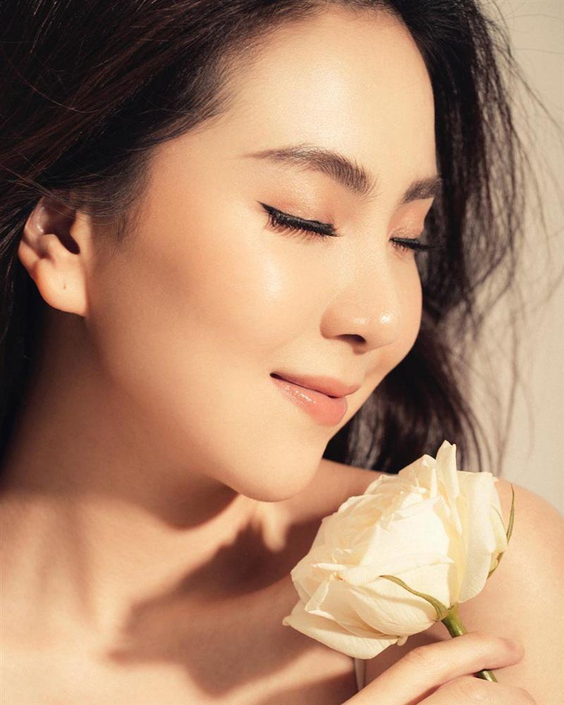BTV Mai Ngọc xứng danh hoa khôi nhà Đài với khoảnh khắc tiên tử đánh dấu cột mốc tuổi 30-3