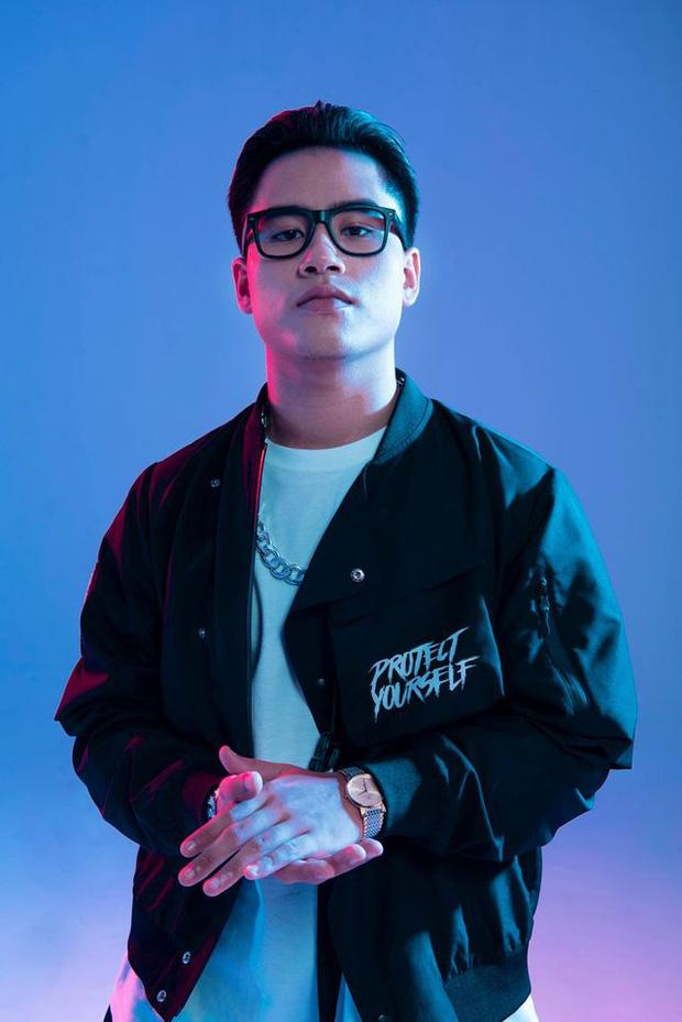 Được truy lùng sau tập 8 Rap Việt, cơn địa chấn G.Ducky lộ profile sáng gia sư, tối về làm rapper-2