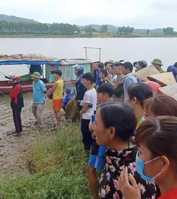 Danh tính cô gái trẻ đi xe ngã lọt xuống cầu, tài xế xe tải lao xuống cứu bất thành khiến 2 người tử vong-2