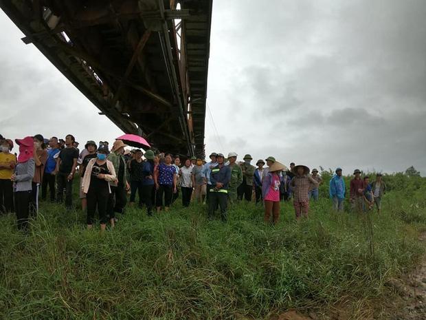 Danh tính cô gái trẻ đi xe ngã lọt xuống cầu, tài xế xe tải lao xuống cứu bất thành khiến 2 người tử vong-3