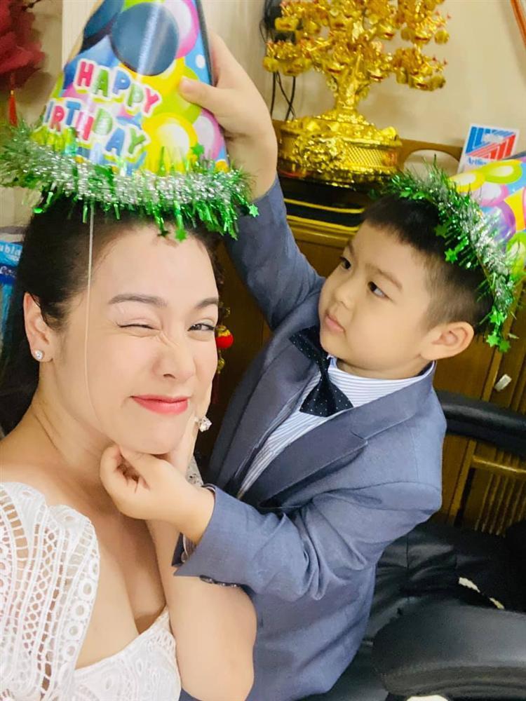 Nhật Kim Anh mừng sinh nhật con nhưng không quên đá đểu chồng cũ-5