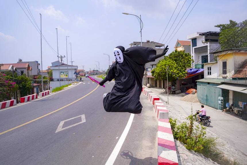 Vô Diện xuất hiện trên phố Hà Nội dịp Trung Thu-11