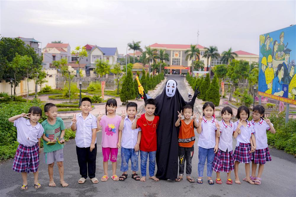 Vô Diện xuất hiện trên phố Hà Nội dịp Trung Thu-12