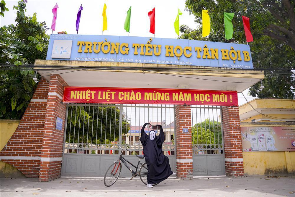 Vô Diện xuất hiện trên phố Hà Nội dịp Trung Thu-13