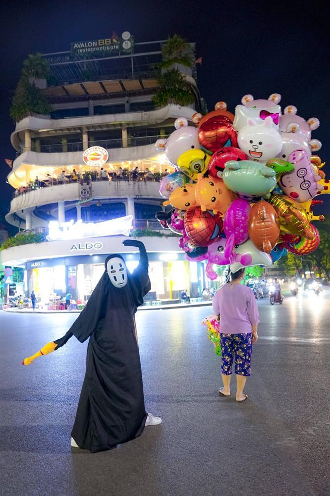 Vô Diện xuất hiện trên phố Hà Nội dịp Trung Thu-5