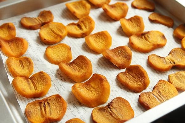 Hồng sấy dẻo - món ăn vặt chân ái của các chị em nay đã có cách làm siêu dễ-4