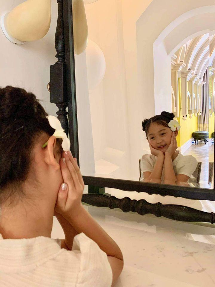 Hương Giang khoe ái nữ 7 tuổi, ai nấy ngỡ ngàng: Đúng là con hoa hậu-3