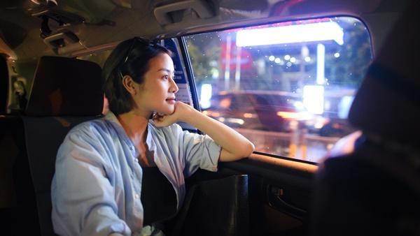 MC Phí Linh và câu chuyện lỡ chuyến bay đêm không về được với con-2