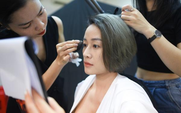 MC Phí Linh và câu chuyện lỡ chuyến bay đêm không về được với con-3