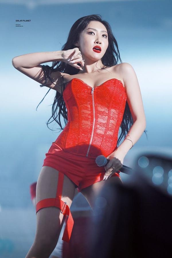 Những tiêu chuẩn kép đáng sợ hơn chất độc đối với idols nữ trong làng K-Pop-3