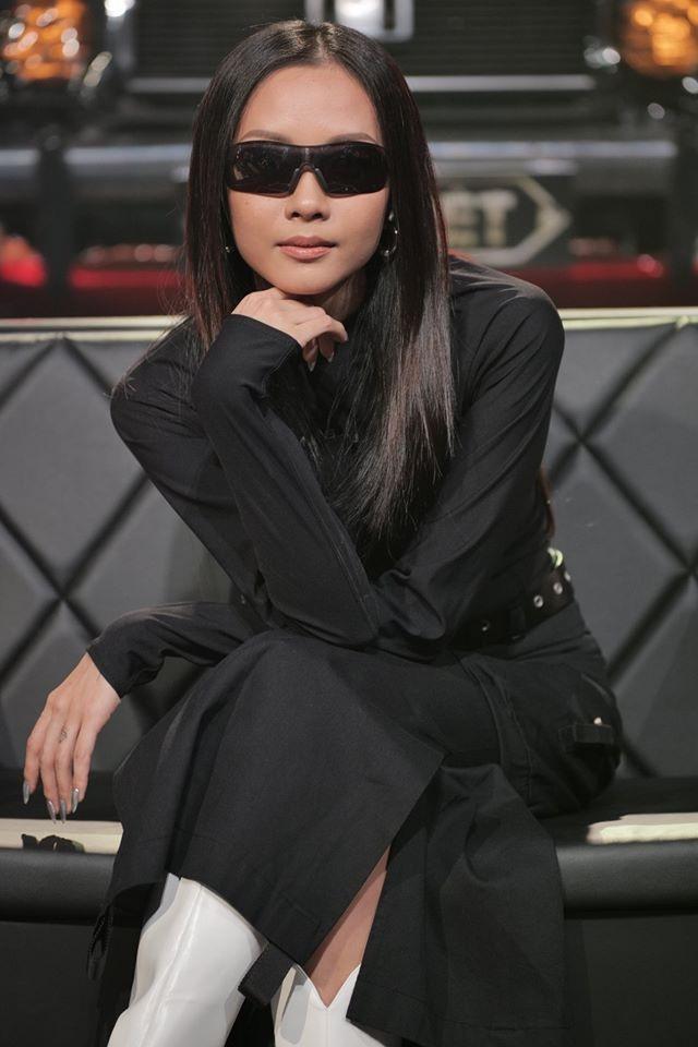 Đẳng cấp Suboi: Chỉ cần diện đồ đen - trắng vẫn lấn át dàn cánh đàn ông Rap Việt-3