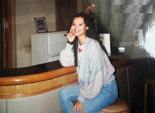 Ảnh hậu 24 năm đóng vai phụ, hạnh phúc bên tình đầu của Vương Phi-1