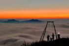 Ngắm biển mây Tây Bắc ở độ cao hơn 2.000 m