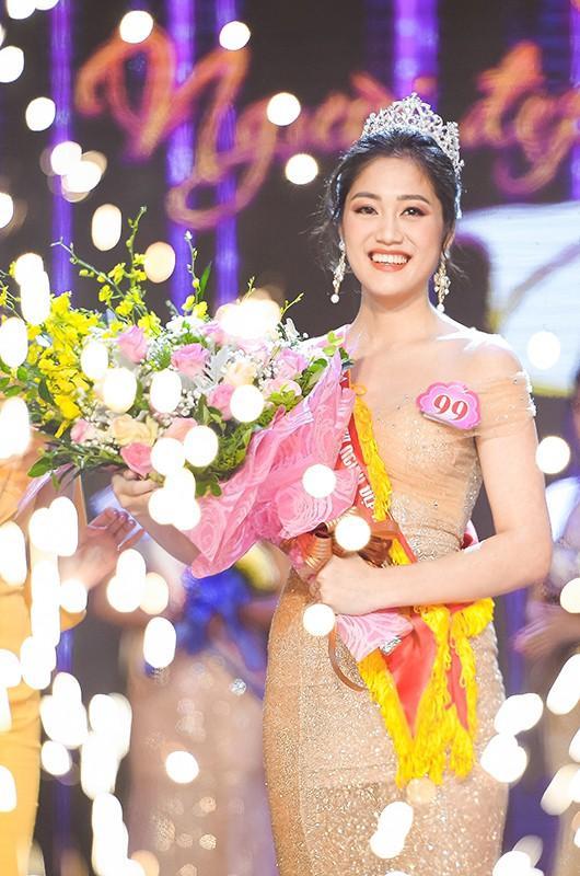 Thí sinh Hoa hậu Việt Nam 2020: Người siêu giỏi hùng biện, người bắn súng cực hay-22