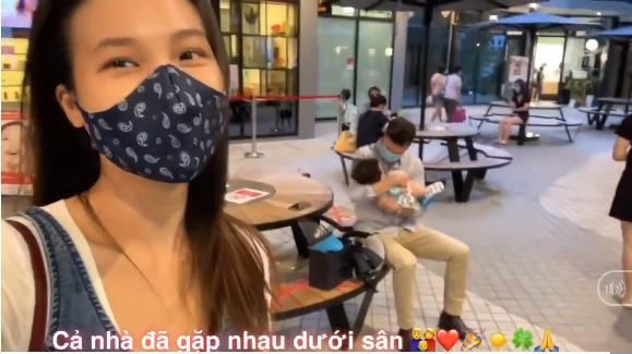 Khoảnh khắc chồng Hoàng Oanh gặp con trai tại Singapore sau 9 tháng xa cách-1