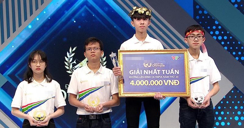 Nhà leo núi Quảng Trị - Tuấn Kiệt được tặng học bổng toàn phần du học Đức sau chung kết Olympia 2020-1