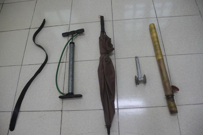 Hưng Yên: Bé trai 9 tuổi bị bố ruột tra tấn bằng điếu cày, bắt cởi trần phơi nắng-2