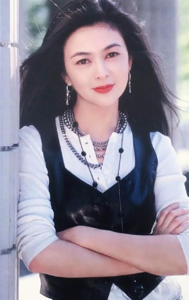 Hồ ly giật chồng số 1 Hong Kong Quan Chi Lâm gây sốc với nhan sắc tuổi 57-5