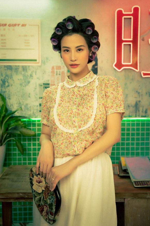 Làm cameo cho MV Ngô Kiến Huy, Đông Nhi lộ ảnh chụp lén khác khác ảnh qua app-3