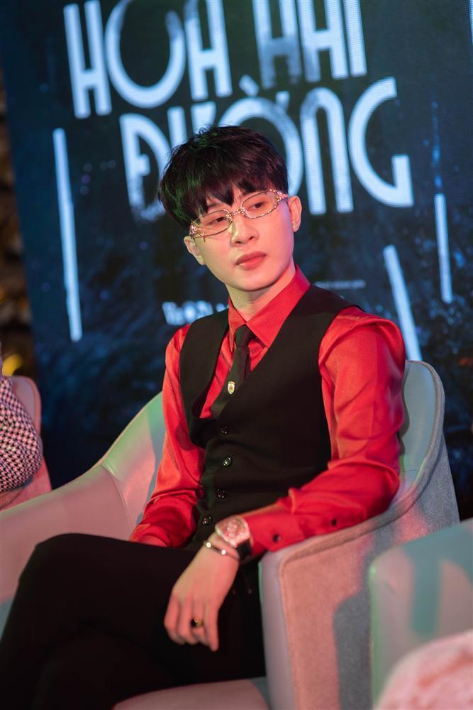 Đặc điểm nhận dạng nhà giàu: Hương Giang - Jack mặc đồ đỏ - đeo đồng hồ tiền tỷ-1