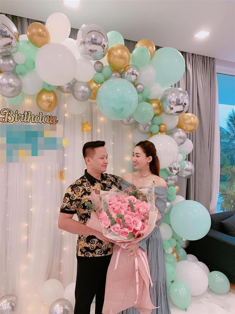 Chồng đại gia mừng sinh nhật Á hậu Ngô Trà My tình bể bình-1