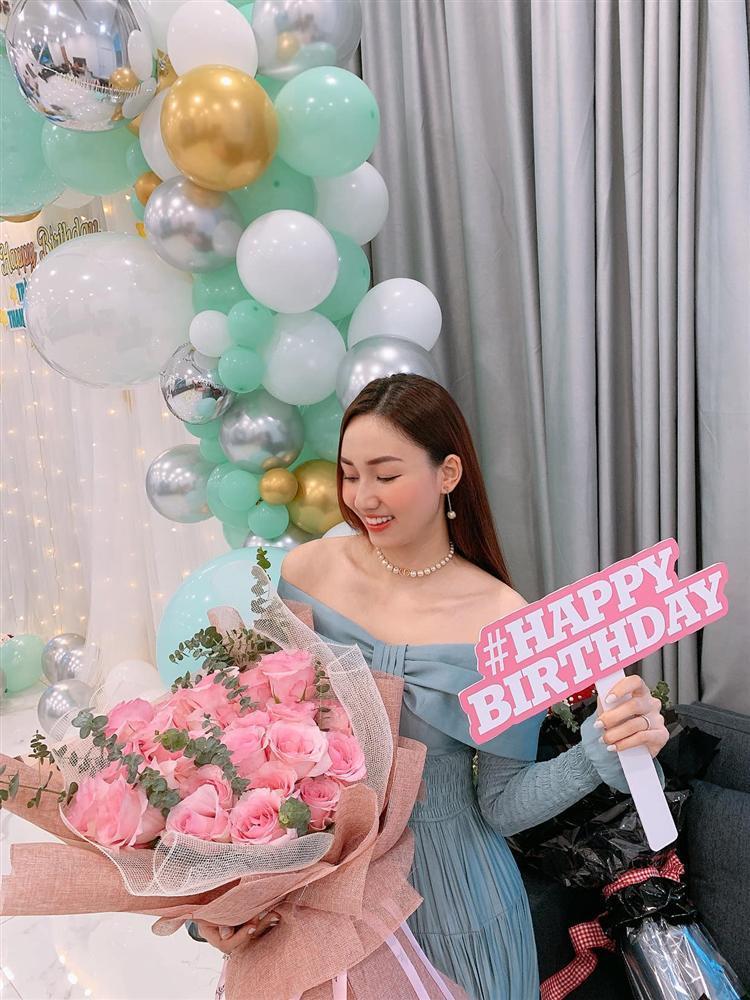 Chồng đại gia mừng sinh nhật Á hậu Ngô Trà My tình bể bình-4