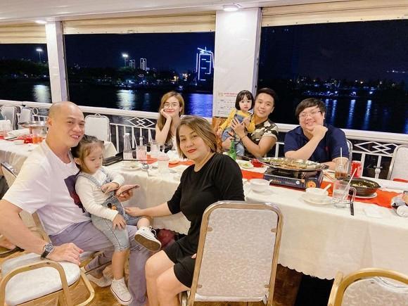 Vợ cũ Hoài Lâm khiến dân mạng hết hồn với bức ảnh như bầu lần 3-2