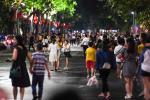 Hà Nội mở lại phố đi bộ Hồ Gươm từ 12/3, đón khách Chùa Hương từ 13/3-2
