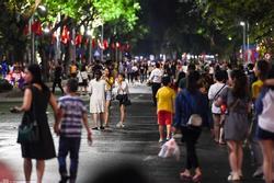 Hà Nội yêu cầu ăn mặc lịch sự, cấm nói tục ở phố đi bộ hồ Hoàn Kiếm