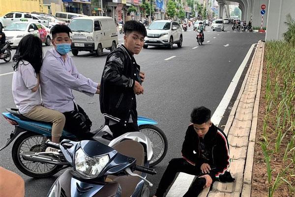 Triệu tập thanh niên phá xe của người đi đường-1
