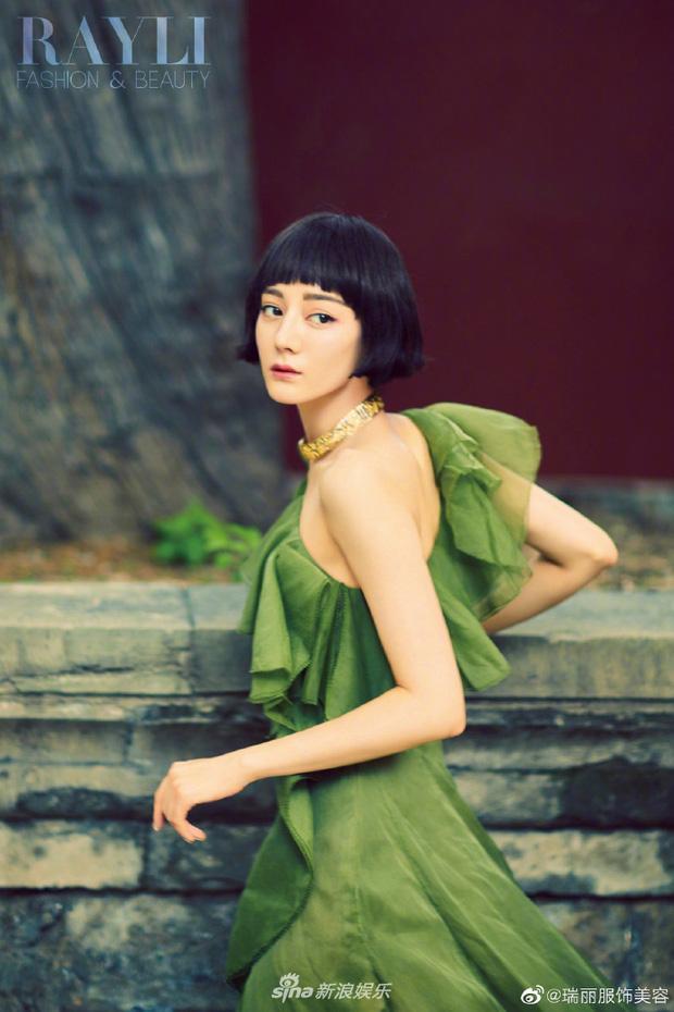 Địch Lệ Nhiệt Ba đẹp thần sầu với tóc ngắn, nhìn lại hao hao Hiền Hồ-2
