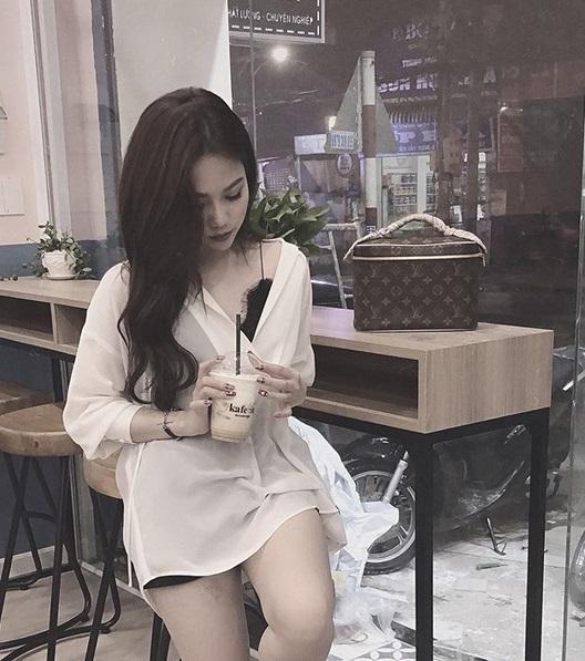 Ngoài xế hộp 5 tỷ, bạn gái rich kid của Tống Đông Khuê còn sở hữu BST túi hiệu đáng nể-10