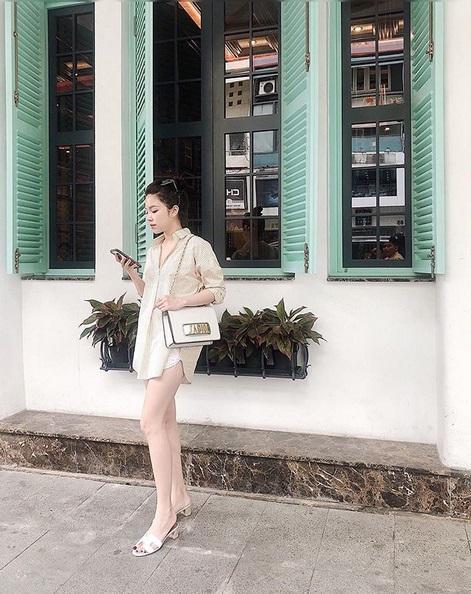 Ngoài xế hộp 5 tỷ, bạn gái rich kid của Tống Đông Khuê còn sở hữu BST túi hiệu đáng nể-8