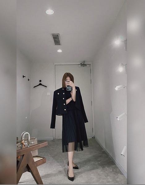 Ngoài xế hộp 5 tỷ, bạn gái rich kid của Tống Đông Khuê còn sở hữu BST túi hiệu đáng nể-7