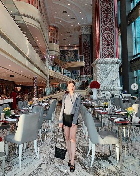 Ngoài xế hộp 5 tỷ, bạn gái rich kid của Tống Đông Khuê còn sở hữu BST túi hiệu đáng nể-11