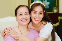 Ngỡ ngàng trước nhan sắc 'hoa khôi' của mẹ ruột Khánh Thi