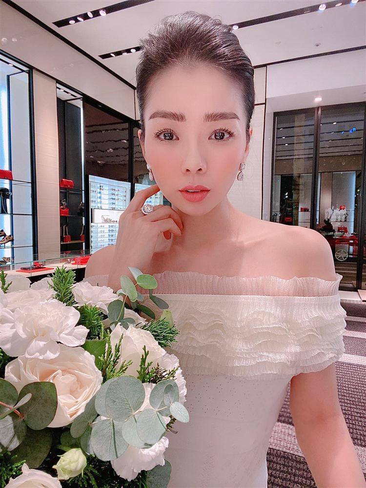 Lệ Quyên liên tục phát ngôn ẩn ý giữa nghi vấn rạn nứt hôn nhân-9