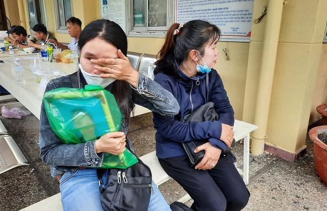 Gia cảnh nạn nhân bị cây xanh đè tử vong ở Sài Gòn: 2 vợ chồng thất nghiệp, con chưa đầy 4 tuổi-2