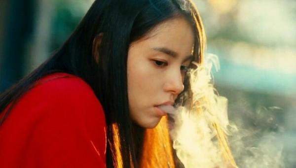 5 ngọc nữ hóa bad girl phì phèo thuốc lá trên màn ảnh Hàn-3