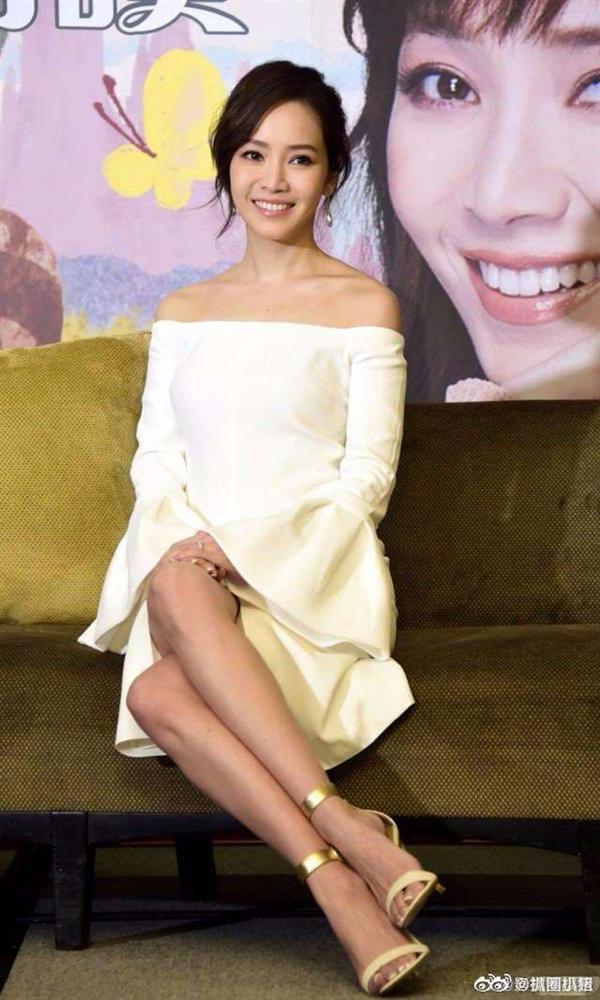 Côn Lăng đáng xấu hổ khi đăng ảnh giống hệt tình cũ Châu Kiệt Luân-4