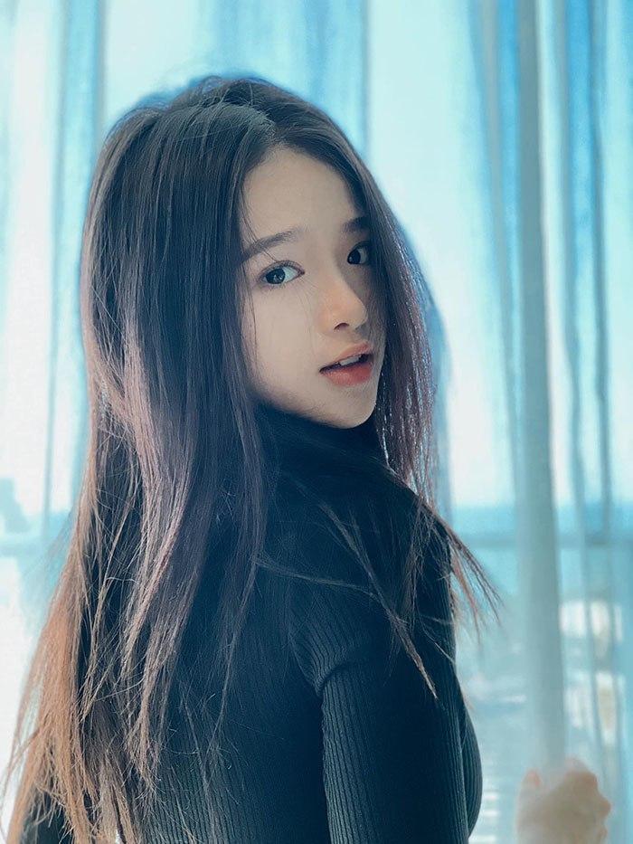 Hotgirl Linh Ka mặc hở hang khi chưa đủ 18, nổi như cồn vì phát ngôn sốc giờ ra sao?-6