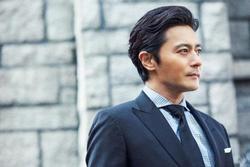 Jang Dong Gun sụp đổ sau scandal tìm gái giải khuây