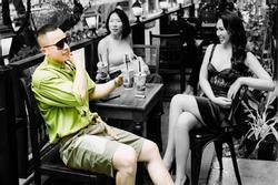 Đăng ảnh kiểu Vũ Khắc Tiệp: Mình phải đẹp 'lồng lộn' mặc kệ người khác xấu