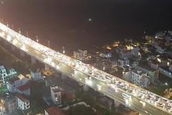Tai nạn liên hoàn trên cầu Nhật Tân: 12 ô tô đâm nối đuôi, ùn tắc giao thông nghiêm trọng