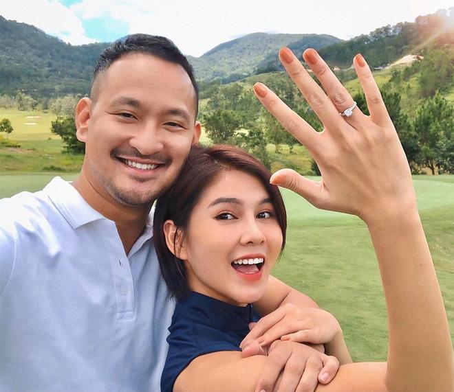 MC Vũ Thu Hoài: Tôi độc thân 7 năm trời để đi nhầm sân golf, được chồng như ý-4
