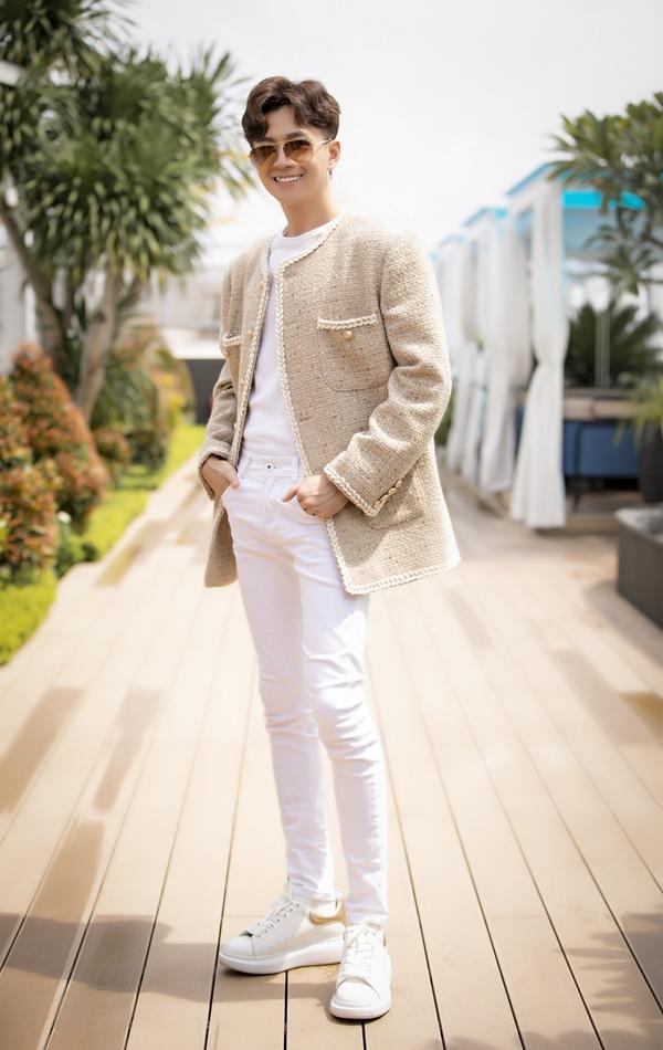 Dân mạng chê MV mới của Ngô Kiến Huy là bước lùi ca hát-1