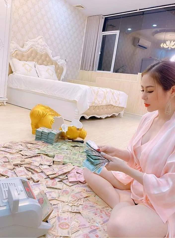 Cô gái Sài Gòn khiến dân tình choáng váng khoe đèn lồng trị giá 3,5 tỷ-5