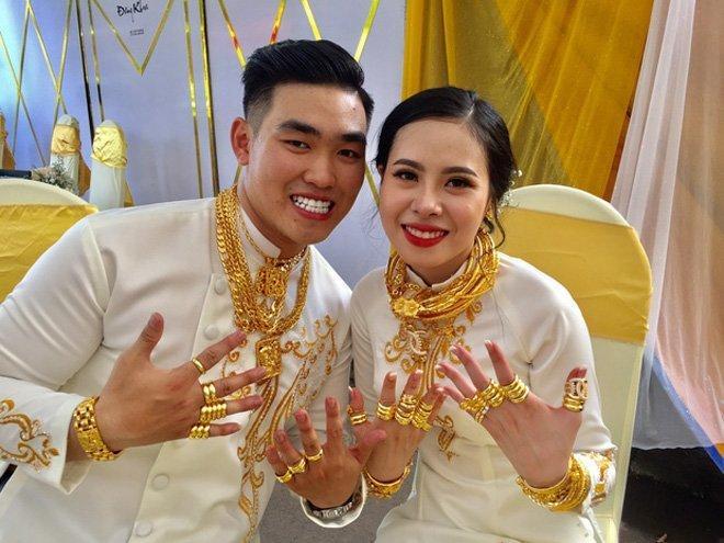 Cô gái Sài Gòn khiến dân tình choáng váng khoe đèn lồng trị giá 3,5 tỷ-7